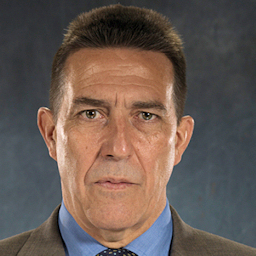 Ciaran Hinds  in Deadly Intent