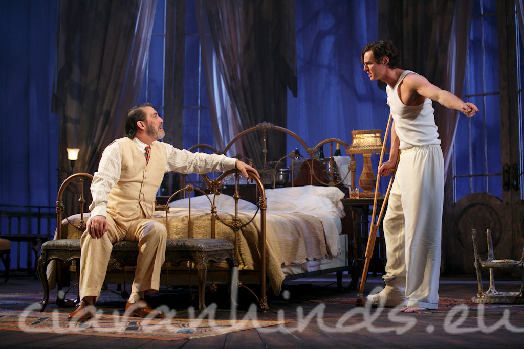 ciaran hinds in cat on a hot tin roofon stage